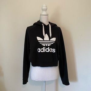 Cropped black big Adidas logo sweatshirt